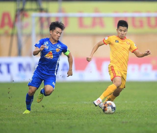 Đánh bại Nam Định, CLB Quảng Nam nuôi hy vọng trụ hạng - 1