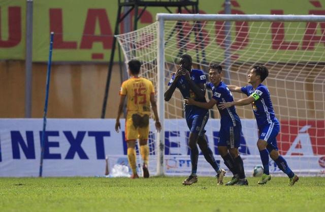 Đánh bại Nam Định, CLB Quảng Nam nuôi hy vọng trụ hạng - 2