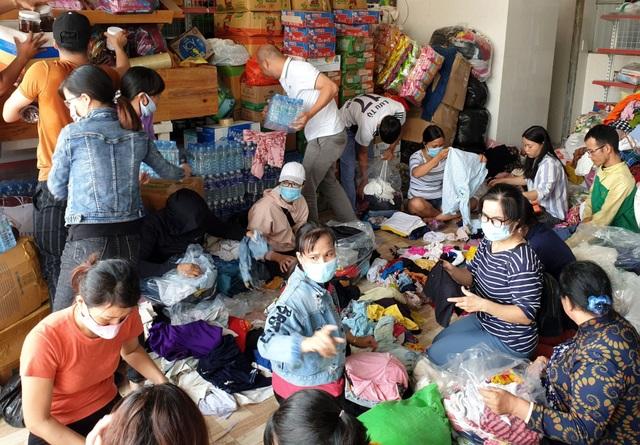 Gói 10.000 chiếc bánh chưng, bánh tét hỗ trợ đồng bào miền Trung - 9