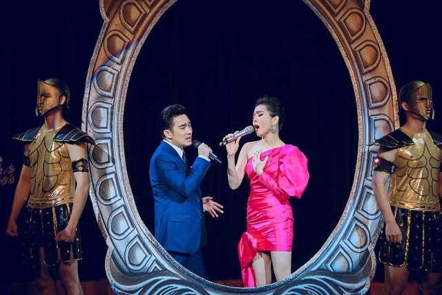 Quang Hà nồng nàn với Lệ Quyên hát mừng ngày Phụ nữ Việt Nam - 4