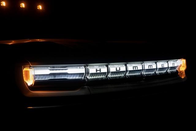 Hummer EV - Sự trở lại ấn tượng của huyền thoại off-road Mỹ - 16