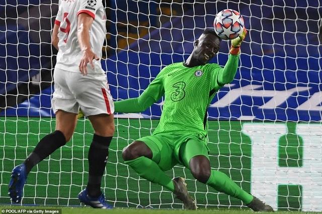 Hàng công gây thất vọng, Chelsea bị Sevilla cầm chân trên sân nhà - 3