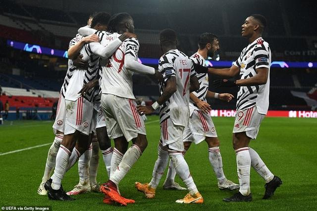 HLV Solskjaer nổ tưng bừng khi Man Utd đánh bại PSG - 1