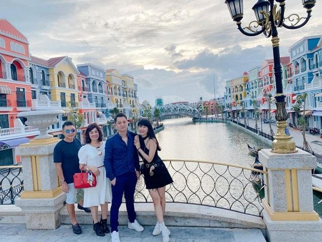 """Sao Việt khoe ảnh đẹp cùng mẹ, """"khoe quà"""" ngày Phụ nữ Việt Nam - 8"""