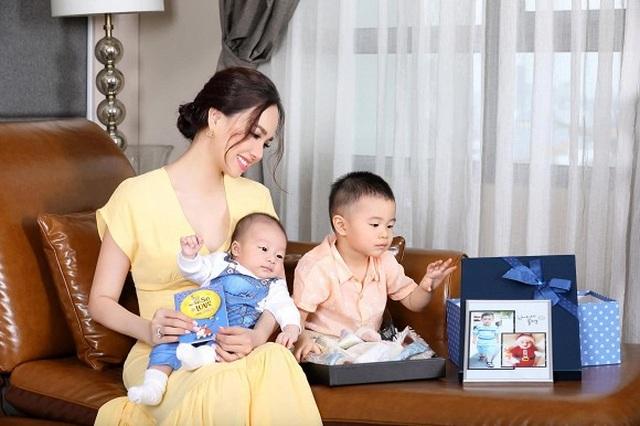 """Sao Việt khoe ảnh đẹp cùng mẹ, """"khoe quà"""" ngày Phụ nữ Việt Nam - 11"""