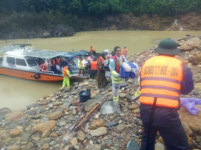2 điểm sạt lở lớn cản trở đoàn tìm kiếm cứu nạn vào Rào Trăng 3 - 3