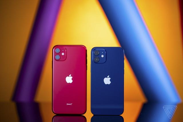 Cận cảnh iPhone 12 và 12 Pro: Thiết kế kết hợp giữa iPhone 11 và iPhone 5 - 11
