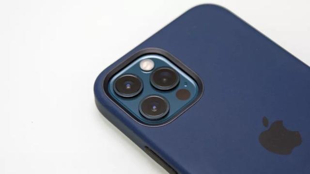 Cận cảnh iPhone 12 và 12 Pro: Thiết kế kết hợp giữa iPhone 11 và iPhone 5 - 8