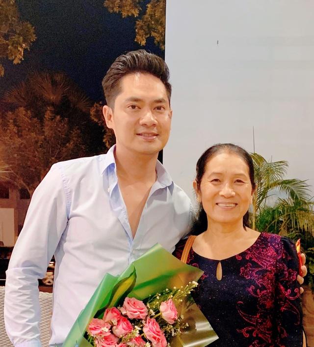 """Sao Việt khoe ảnh đẹp cùng mẹ, """"khoe quà"""" ngày Phụ nữ Việt Nam - 7"""