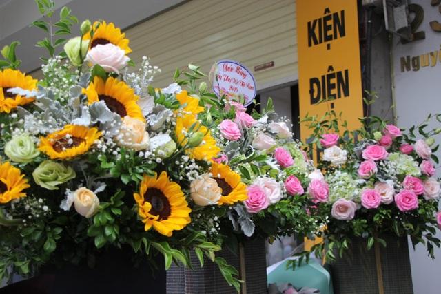 Làm sao để không lãng phí những bó hoa tươi sau mỗi dịp lễ? - 1