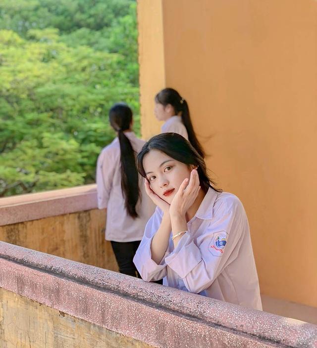 Nữ thần đồng phục mới nổi ở Bắc Giang - 4