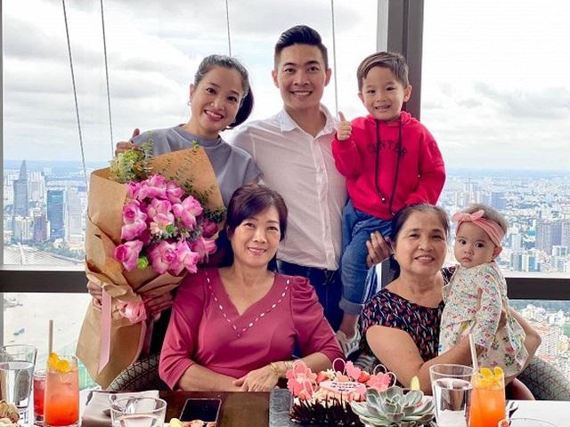 """Sao Việt khoe ảnh đẹp cùng mẹ, """"khoe quà"""" ngày Phụ nữ Việt Nam - 4"""