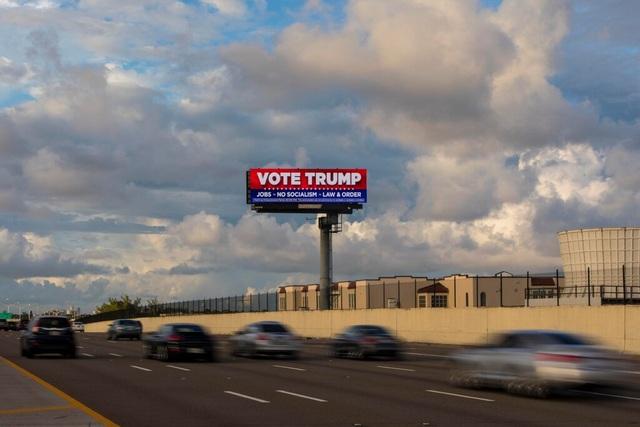 """Ngân sách tranh cử của ông Trump đang """"lép vế"""" so với ông Biden - 1"""
