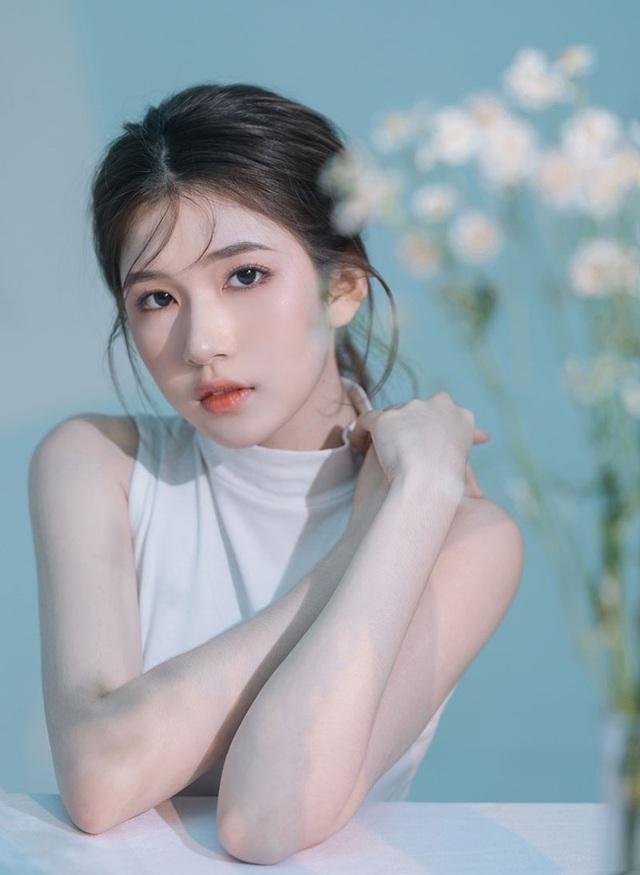 Thiếu nữ 10X Quảng Ngãi khoe vẻ đẹp thanh tú - 4
