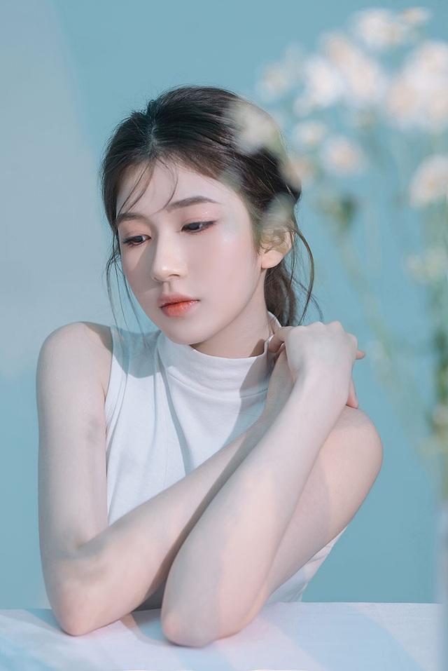 Thiếu nữ 10X Quảng Ngãi khoe vẻ đẹp thanh tú - 5