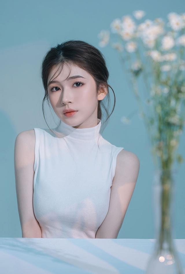 Thiếu nữ 10X Quảng Ngãi khoe vẻ đẹp thanh tú - 6