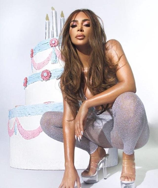 Lần hiếm hoi Kanye West bày tỏ tình cảm với Kim Kardashian trên mạng - 10