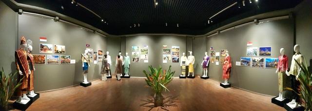 Triển lãm Trang phục truyền thống các nước ASEAN 2020 - 2
