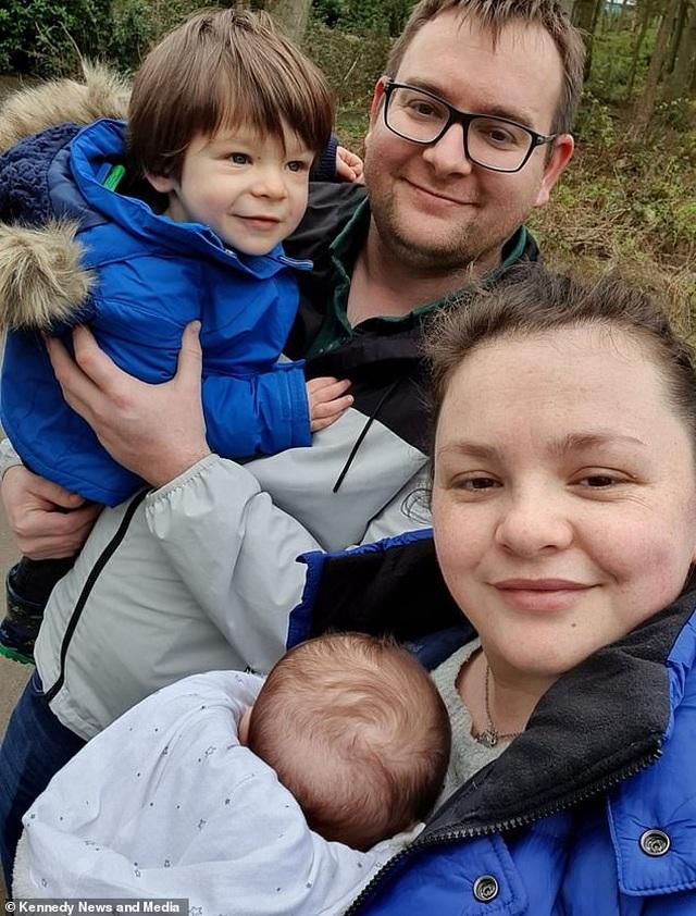 Cảm phục nghị lực sống của người mẹ phát hiện bị ung thư khi đang mang bầu - 1