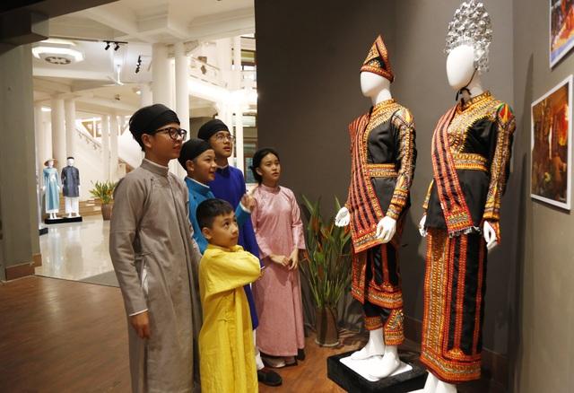 Triển lãm Trang phục truyền thống các nước ASEAN 2020 - 5