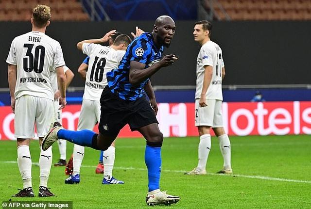 """Lukaku lập cú đúp, Inter Milan """"hút chết"""" trên sân nhà - 6"""
