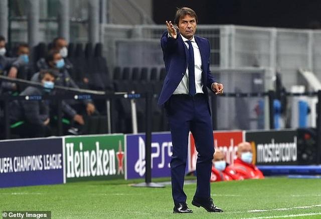 """Lukaku lập cú đúp, Inter Milan """"hút chết"""" trên sân nhà - 8"""