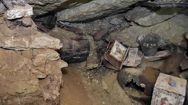 Phát hiện hàng loạt quan tài cổ đại mới ở Ai Cập - 2