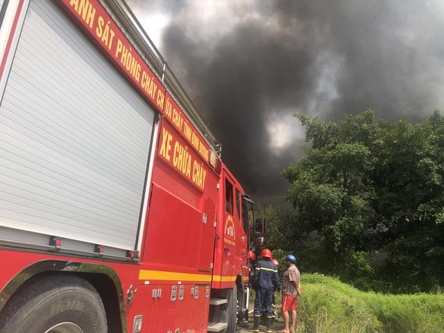 Điều tra nguyên nhân vụ cháy lớn ở công ty xử lý môi trường - 4