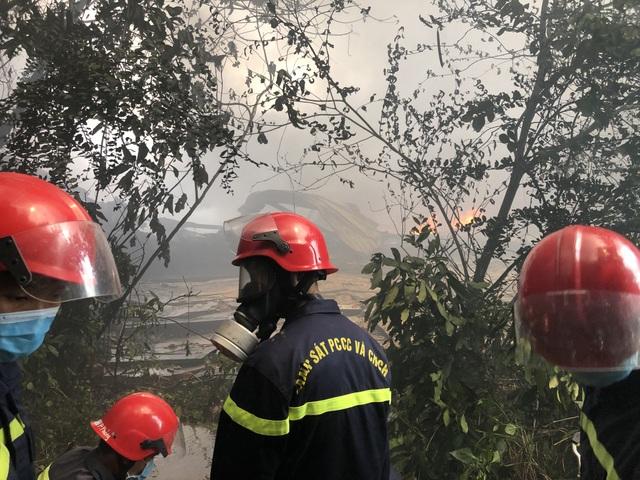Điều tra nguyên nhân vụ cháy lớn ở công ty xử lý môi trường - 6