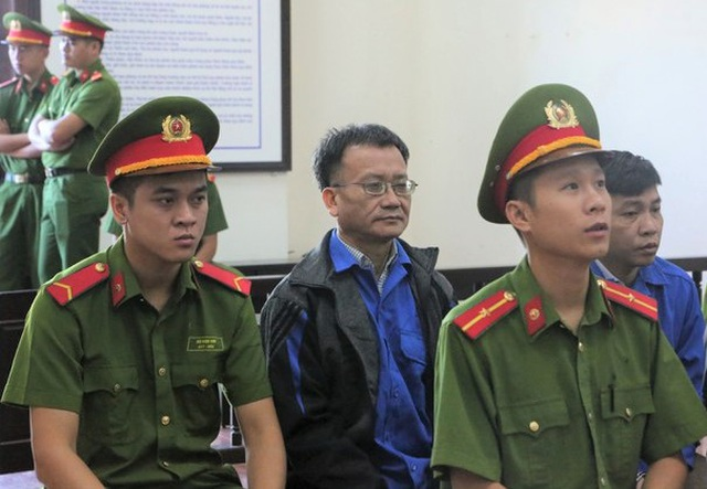 Y án chủ mưu vụ gian lận điểm thi ở Hòa Bình, giảm án tù cho 2 bị cáo - 1