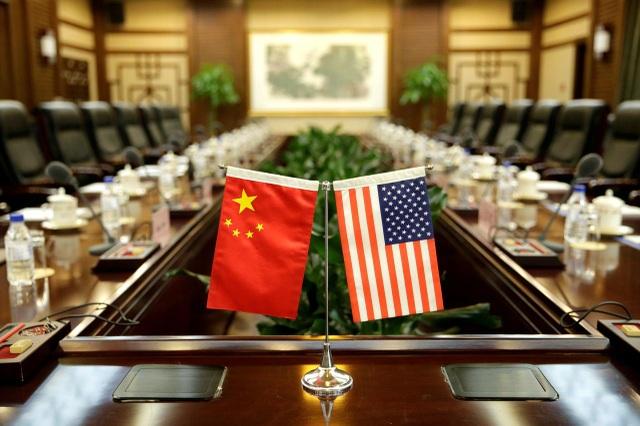 Sự khác nhau của nền kinh tế Mỹ và Trung Quốc khi đối phó với đại dịch - 1