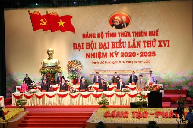 Đại hội Đảng bộ TT-Huế dành phút mặc niệm nạn nhân mưa lũ miền Trung - 2