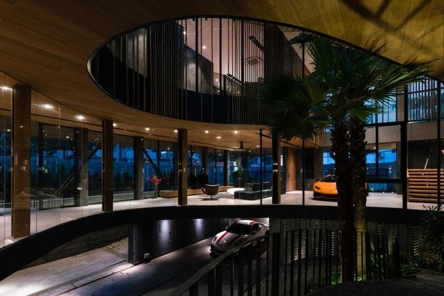 """Biệt thự hơn 1.000 m2 chứa cả bộ sưu tập siêu xe """"khủng"""" ở Sài Gòn - 7"""
