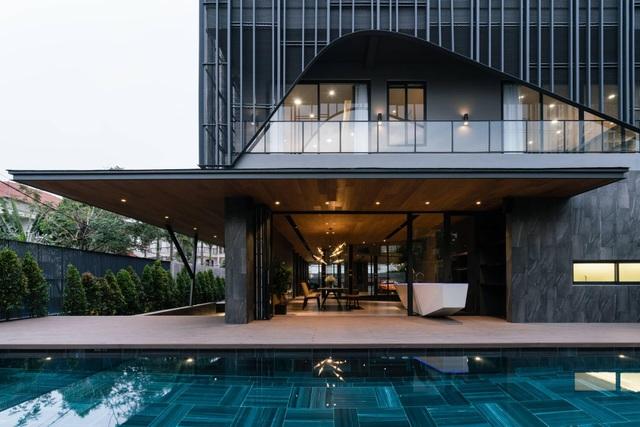 """Biệt thự hơn 1.000 m2 chứa cả bộ sưu tập siêu xe """"khủng"""" ở Sài Gòn - 13"""