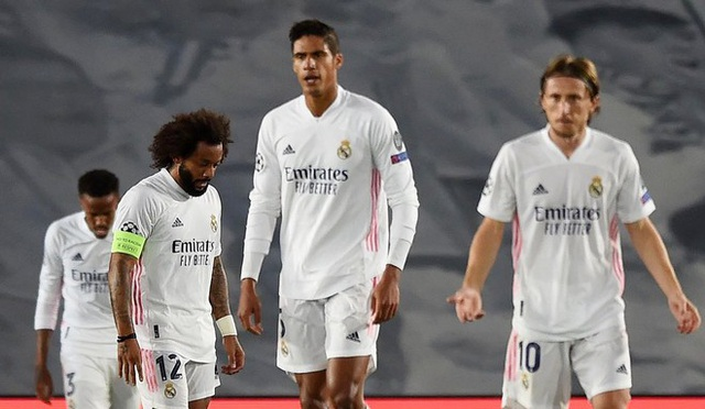 Real Madrid liên tiếp thua sốc: Bi kịch của sự lỗi thời - 2
