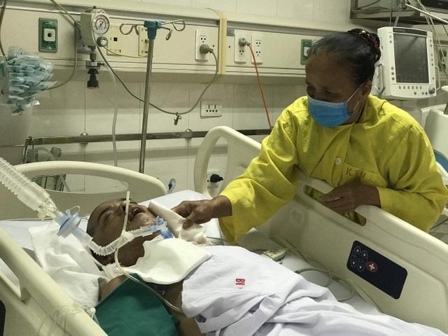 Xót thương cảnh người mẹ nghẹn ngào cầu xin bạn đọc cứu con - 3