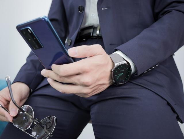 Watch GT 2 Pro - đồng hồ thông minh dành cho quý ông lịch lãm - 1