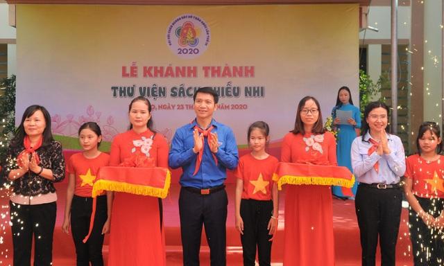 Cháu ngoan Bác Hồ về thăm đất Tổ, khánh thành thư viện tại Phú Thọ - 2