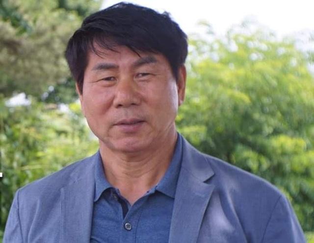Thầy Park tìm HLV thủ môn cho Đặng Văn Lâm - 1