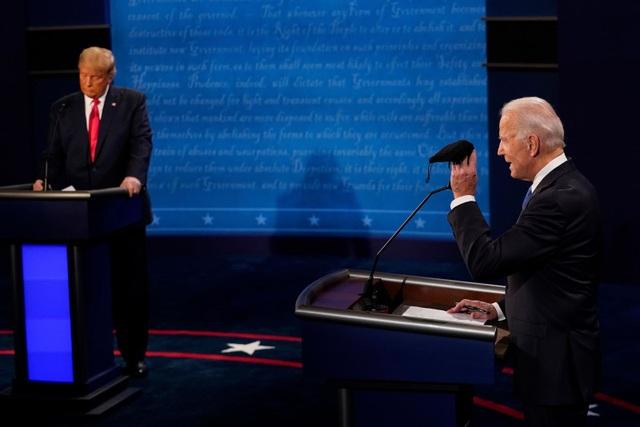 Những khoảnh khắc ấn tượng trong hiệp đấu cuối của Trump - Biden - 13