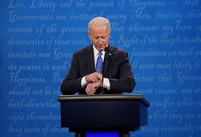 Những khoảnh khắc ấn tượng trong hiệp đấu cuối của Trump - Biden - 6