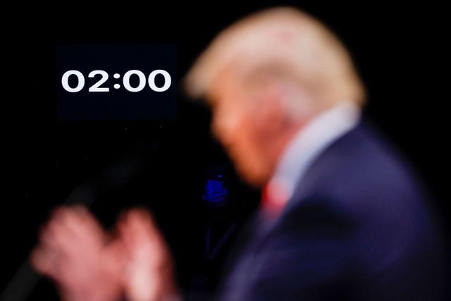 Những khoảnh khắc ấn tượng trong hiệp đấu cuối của Trump - Biden - 7