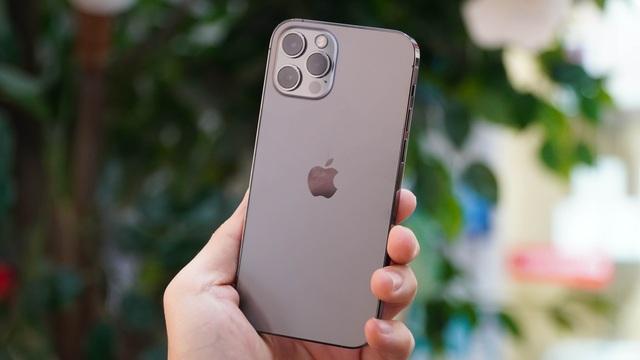 Loạt smartphone giảm giá cả chục triệu đồng đầu tháng 4 - 4