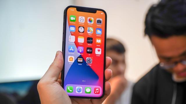 Trải nghiệm iPhone 12 Pro tại Việt Nam, giá từ 31 triệu đồng - 2