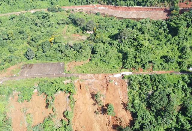 Bí thư Đắk Nông yêu cầu làm rõ vụ sạt lở nuốt chửng con đường 27 tỷ đồng - 2