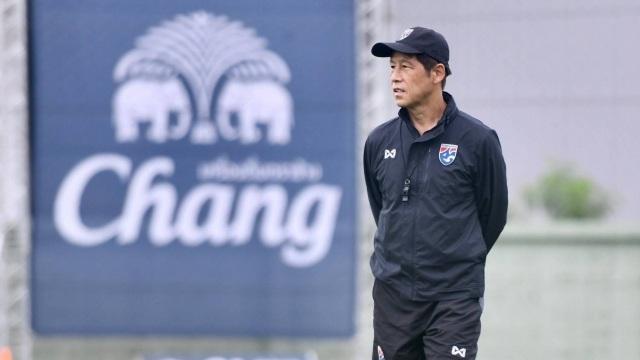 Tuyển Thái Lan đá giao hữu với đội các ngôi sao Thai-League vào tháng 11 - 1