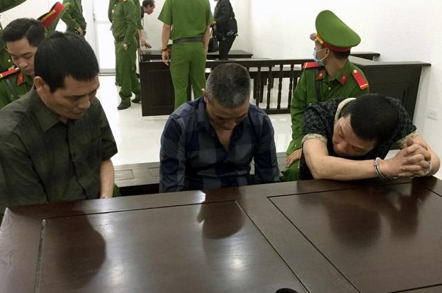 Hà Nội: Gã trai bỏ trốn khi bị đưa ra xét xử nhận thêm 42 tháng tù - 1