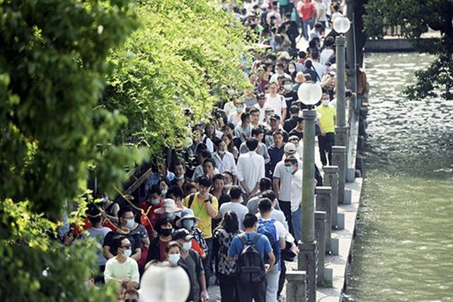 """Sau """"Tuần lễ Vàng"""", Trung Quốc siết lại quy định hạn chế du lịch - 1"""