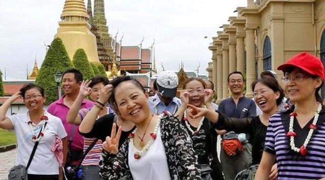 """Sau """"Tuần lễ Vàng"""", Trung Quốc siết lại quy định hạn chế du lịch - 3"""