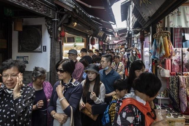 """Sau """"Tuần lễ Vàng"""", Trung Quốc siết lại quy định hạn chế du lịch - 5"""